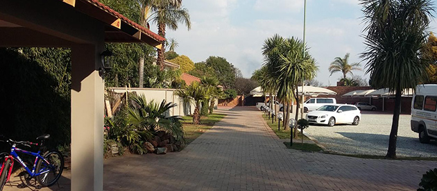 airport gardens, boksburg bnb, accommodation close to OR Tambo airport, guest house, hotel, self catering, conference facilities, restaurant, wedding venue, johannesburg, garden venue, catering facilities, boksburg, swimming pool, gauteng info